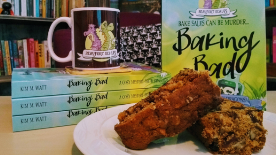 travel essentials for bookworms & introverts, reading, travelling, travel list, travel guide, booklovers
